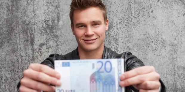 MAN HOLDING 20 EUR