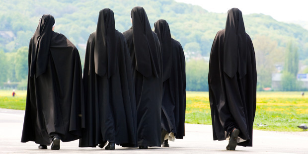 NUNS WALKING