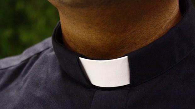 PRIEST,ROMAN,COLLAR