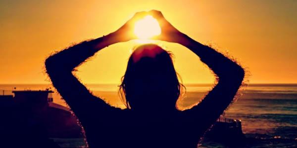 SUN,WOMAN
