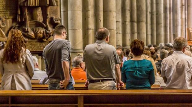CONGREGATION,PRAYING,MASS