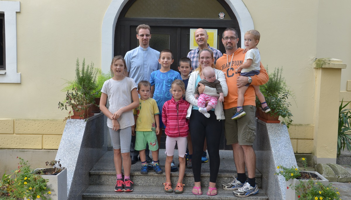 FAMILY CUKJATI