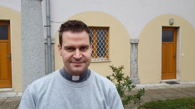 DANIEL GOLAVŠEK