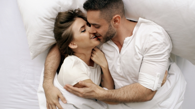 COUPLE, KISS, BED