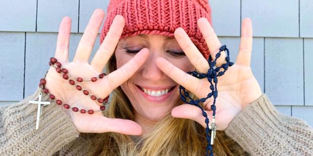 web3-woman-rosary-pray-hail-mary-instagram