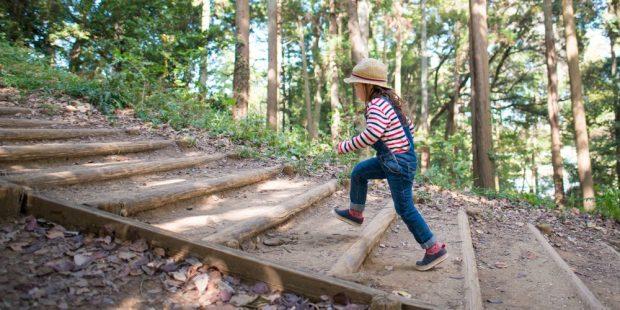CHILD CLIMBING STAIRS