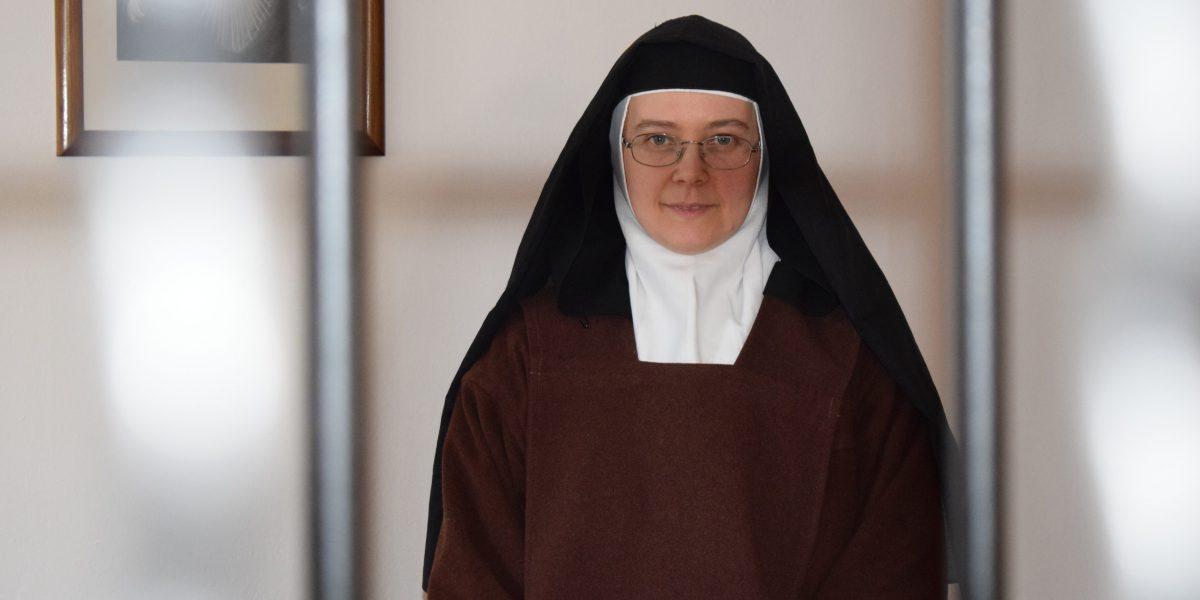 TEREZIJA BENEDIKTA MARIJE POMAGAJ KARMELIČANKA MIRNA PEČ