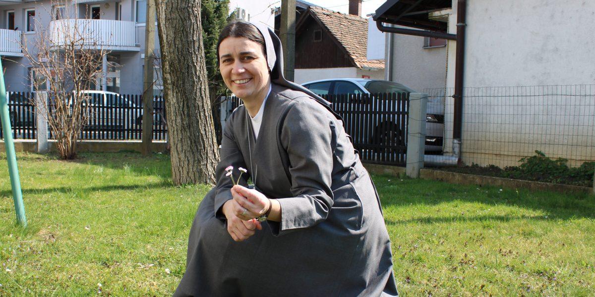 MARTINA GOLAVSEK
