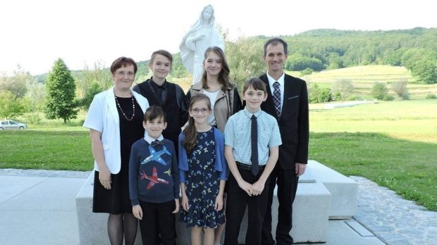 FAMILY KASTELIC
