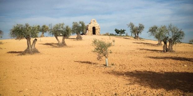 Ekonomist v Španiji sam postavil kapelico
