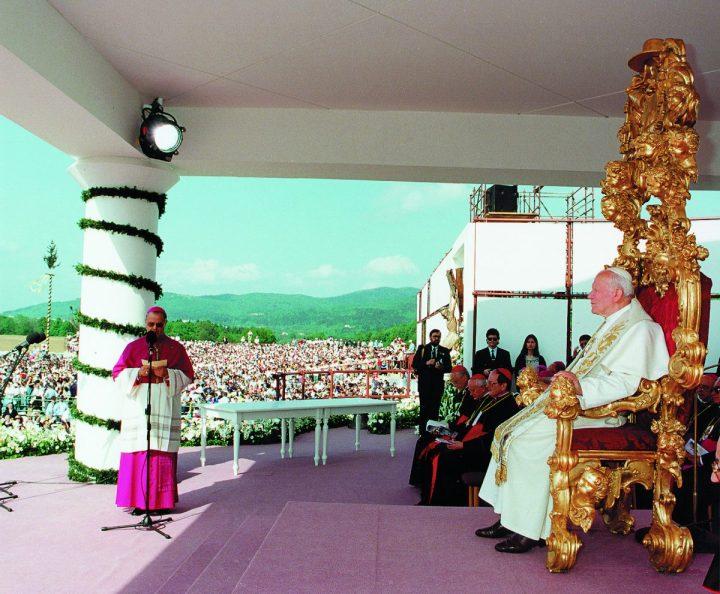 Papež Janez Pavel II. v Postojni pred 25 leti