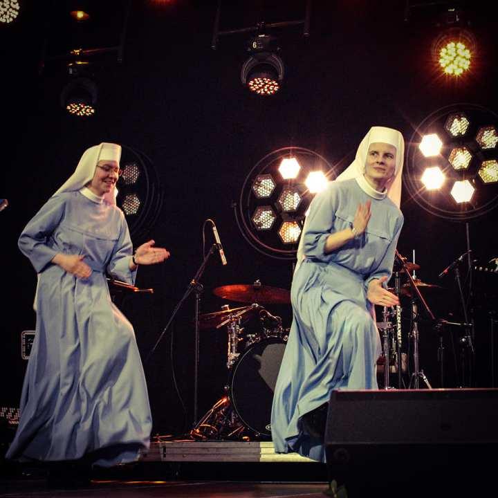 Fotografije sestre Estere, ki pleše hip hop