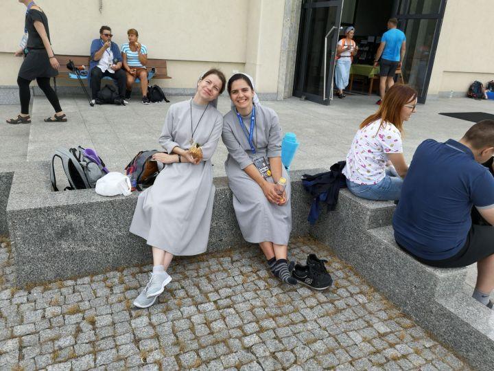 Fotografije mlade redovnice Ane Šuštar