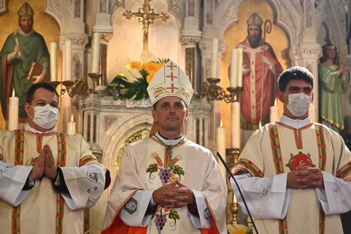 Utrinki s posvečenja novomeškega škofa Andreja Sajeta