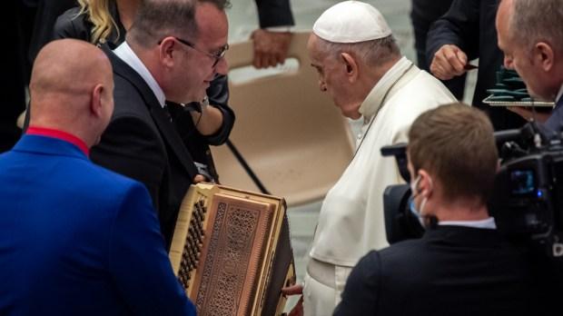 pope francis denis novato